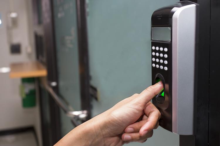 Impianti Elettrici Controllo Accessi Impronte Digitali | A&G Elettro
