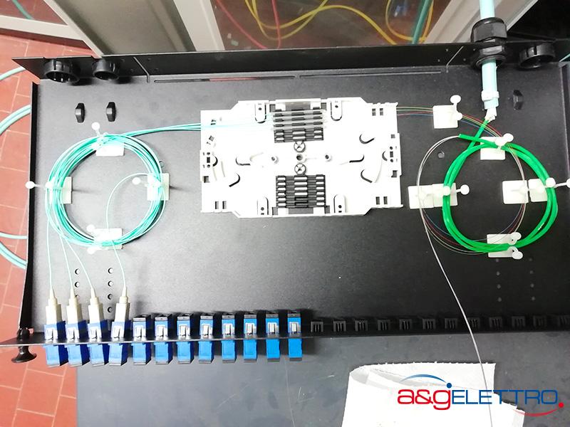 Sistemazione pigtail sul vassoio porta giunti Fibra Ottica | A&G Elettro