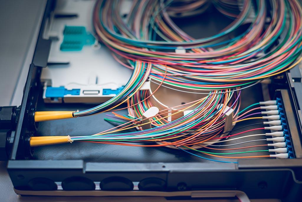 Perché l'installazione della fibra ottica è importante per le aziende? | A&G ELETTRO
